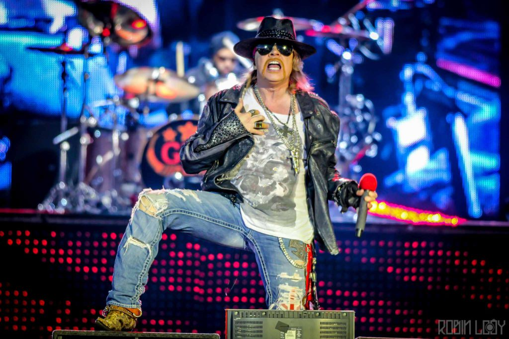 guns-n-roses-axl-rose-live-concert-photo