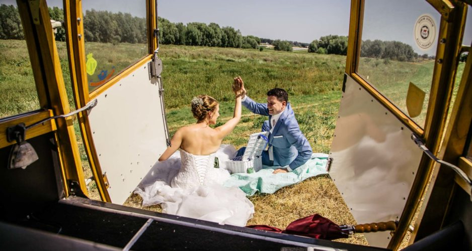 bruiloft-seizoen-trouwfotograaf-goedkoop-morrisminor